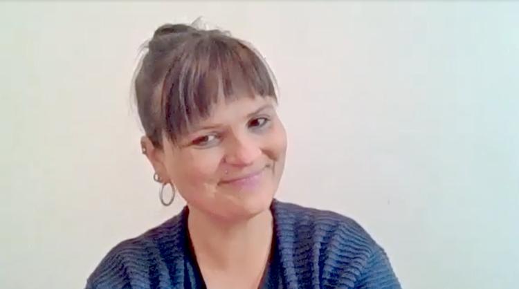 Deutschlehrerin Christine Borchers erzählt im Interview von ihren Erfahrungen im Online-Unterricht während der Corona-Krise